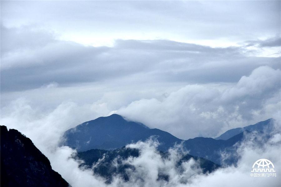 黄山云海天际流 天地皆风景