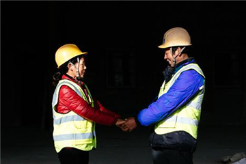 The look of love: New Year present for migrant workers