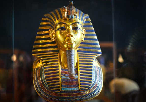埃及开始修复法老黄金面具图片