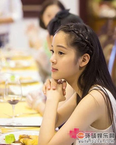 欧阳娜娜关晓彤徐娇 娱乐圈18岁女星秒杀前辈图片