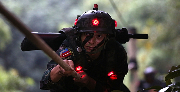 云南边防某团:设置模拟战场环境砺精兵