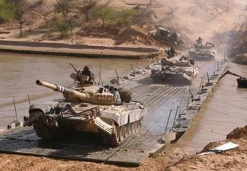 印度大手笔购买美军备