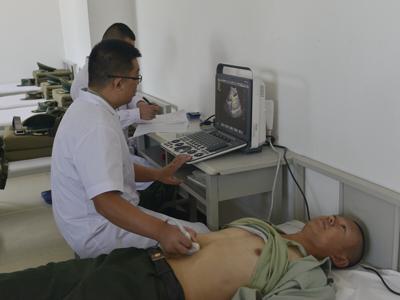 武警新疆邊防總隊醫院承擔400余名入警大學生的體檢任務