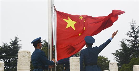 空軍某新訓旅多種形式祝福祖國68週年華誕
