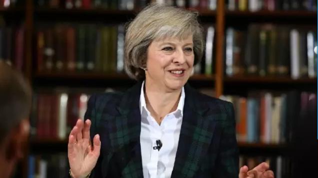 Theresa May demande un examen de l'accord nucléaire avec la Chine et la France