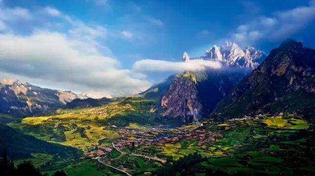 Les sept lieux retirés les plus beaux de Chine