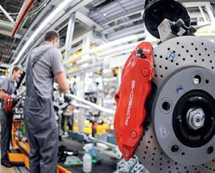Deutschland und China verfügen im Bereich der digitalen Wirtschaft jeweils über eigene Stärken und werden daher als Vorreiter die Industrie 4.0 anführen. Dies sagte Jeremy Rifkin, bekannter US-Soziologe und Ökonom auf der CeBIT am Dienstag in Hannover.
