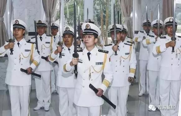 海軍で初の授剣式が開催 軍の3種...