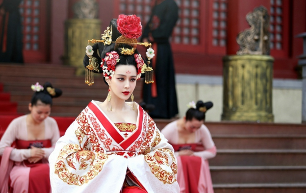 womens changing status in china It is generally accepted that chinese women were inferior to their male counterparts in the feudal society this can be well illustrated in the morals for.