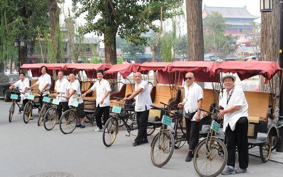 Shichahai quiere egresados de universidades para conducir bicitaxis; extranjeros también son bienvenidos
