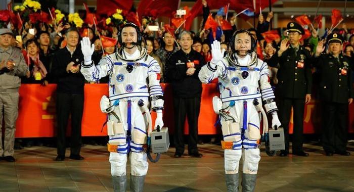 Video: China lanza astronave tripulada Shenzhou-11 el 17 de octubre
