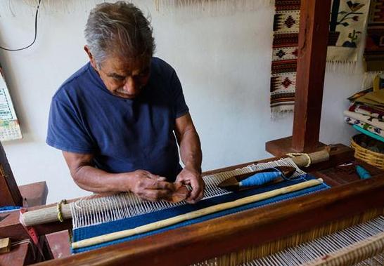 México: Telares artesanales son característicos por sus diseños coloridos