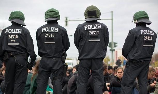 Marcha neonazi en Alemania deja 39 detenidos
