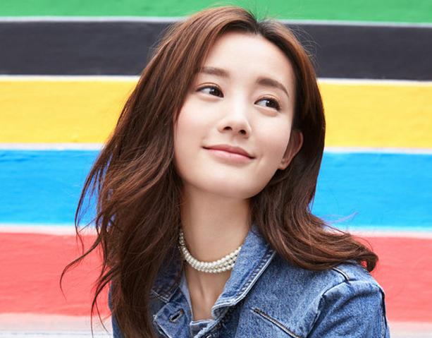 Fotos de actriz Li Yitong