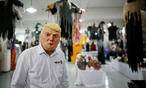 Une usine chinoise fabrique des masques de Donald Trump à tour de bras