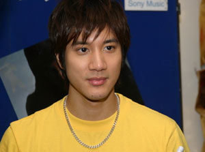leehom wang essay Leehom wang was born on may 17, 1976 in rochester, new york, usa as  alexander lee hom wang he is an actor, known for wu wen xi dong (2018),  blackhat.