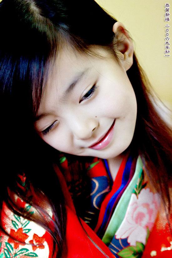 出名要趁早 超可爱的中国9岁美女模特郭柏鹭
