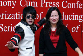 Danny Chan bersama Shannon Lee
