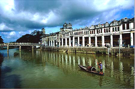 kaiping diaolou named world heritage site