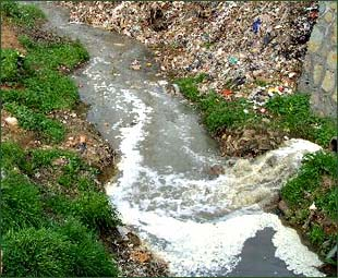 recommendations of water pollution A report on water pollution in vietnam was announced in hanoi on march 2 providing an array of policy recommendations including the building of a law on water.