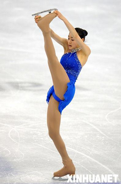 花样滑冰 韩国选手金妍儿夺得女子单人滑金牌