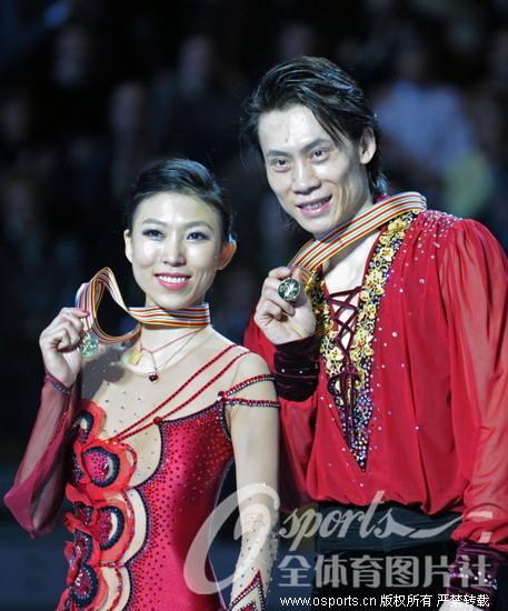 花滑世锦赛庞清 佟健夺冠 丹 昊刷新个人最佳第五