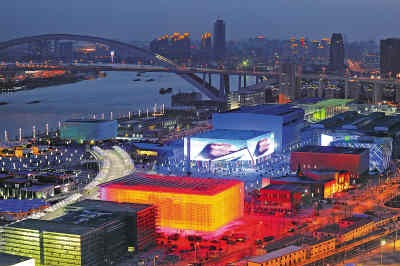 上海世博园区即将迎来首场试运营.目前,世博会中国馆、外国馆、