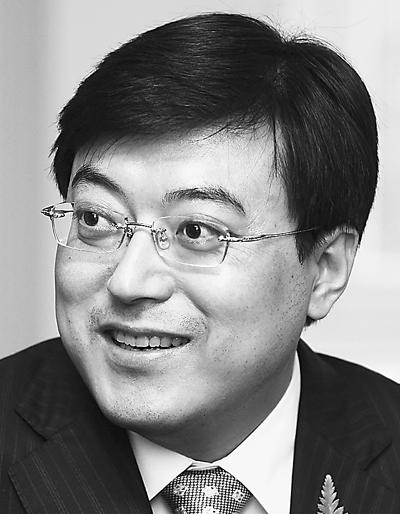 伊利集团董事长潘刚