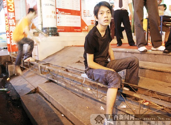 铁架钢管衣柜组装步骤