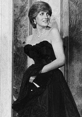 ANS)报道,英国戴安娜王妃黑色礼服6月7日将被拍卖,外界预估此