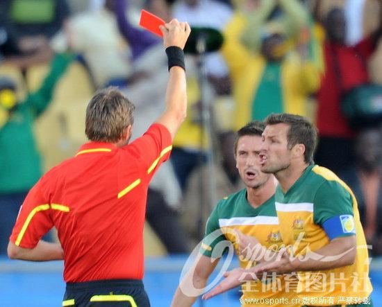 加纳1 1平澳大利亚 科威尔手球染红送点球