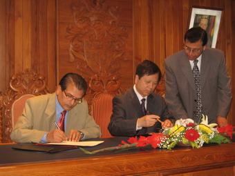 南通市同瓦瓜―菲尼克斯市签署友城协议