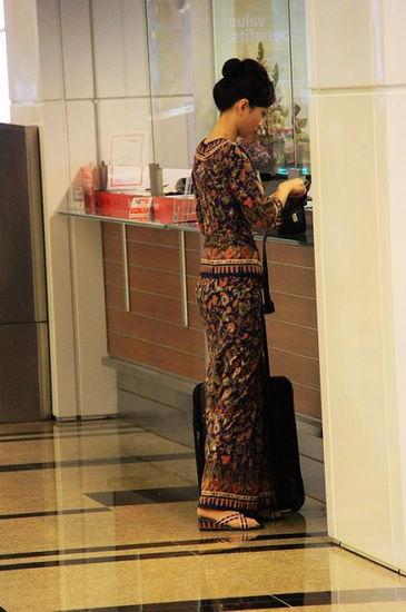 新加坡空姐的裙装与众不同