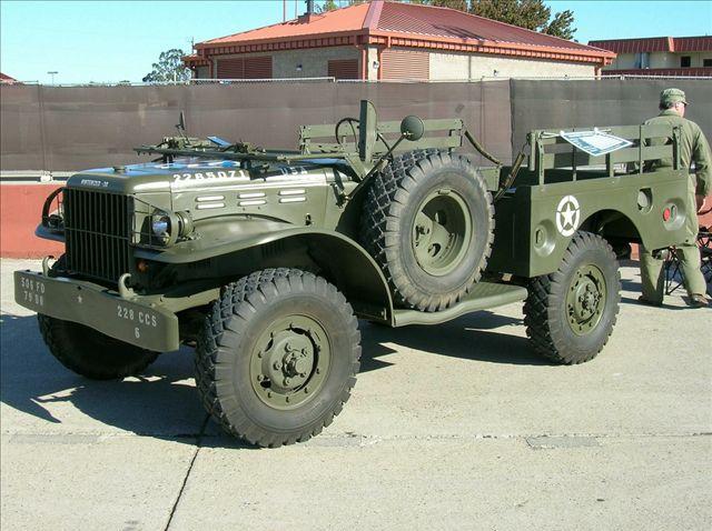 即dodge3/4吨或者11/2吨4x4轻型卡车.1940年后,道奇公司高清图片