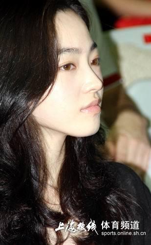 车侑蓝惊艳亮相上海 韩国美女大眼睛会说话(组图)