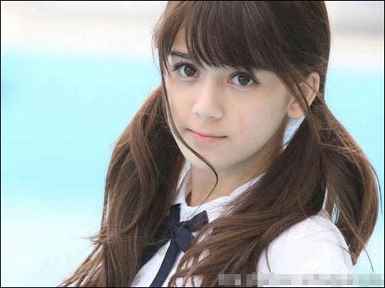 拍av的萝莉_奥真奈美日本第一超萌混血小萝莉 融化你的心