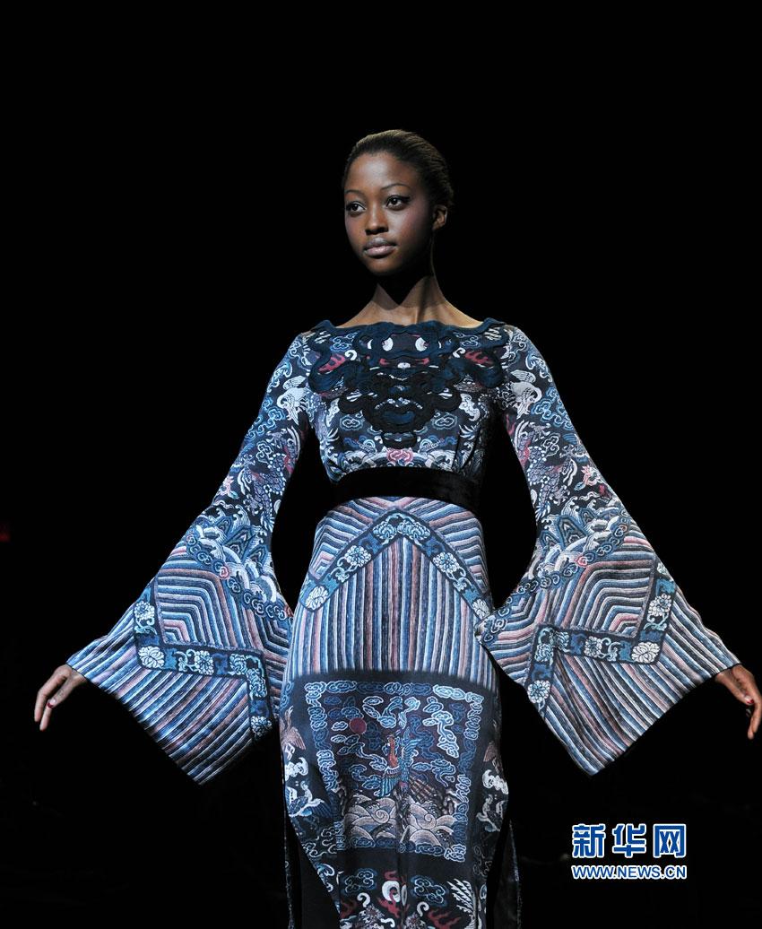中国戏曲古风吹到纽约时装周