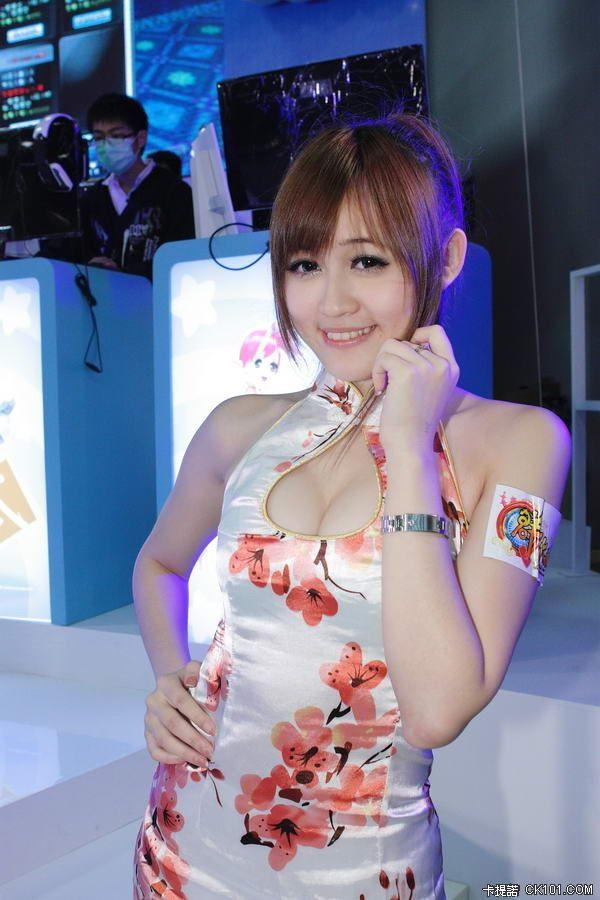 组图:台湾电玩美女总动员