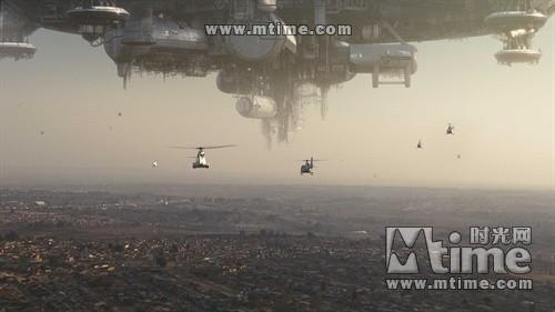 外星人的飞船漂浮在约翰内斯堡上空-洛杉矶之战 揭UFO之谜 盘点电影