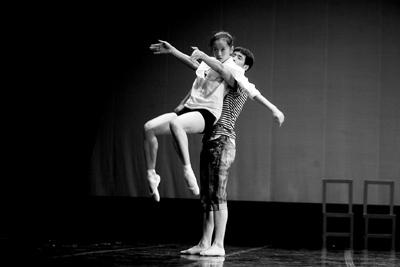 """芭蕾创意工作坊办教育活动 与粉丝共话""""创作"""""""