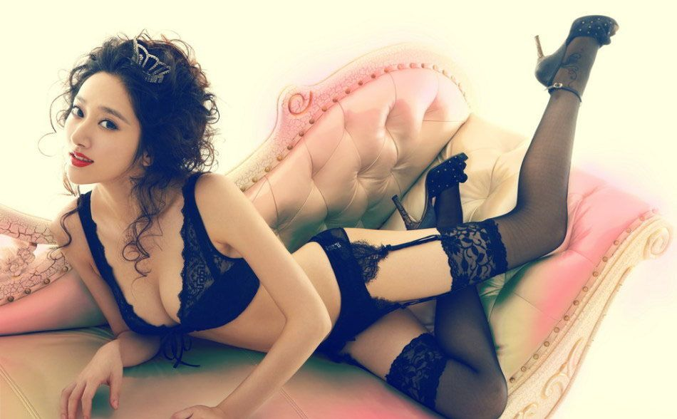 蕾丝花边内衣诠释出性感的美