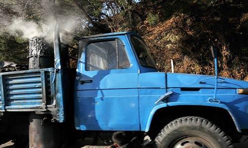 车朝鲜平壤街头的出租车由于燃
