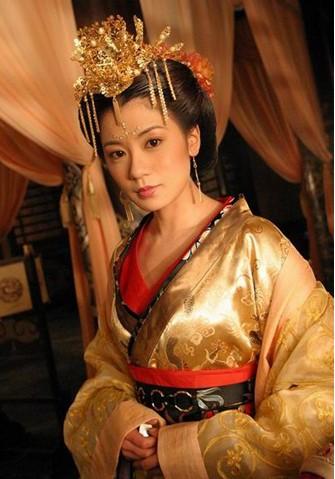高圆圆/贾静雯:《至尊红颜》中皇后造型