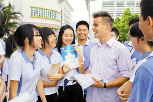 深圳特区报记者 程海昆 摄   分别是:宝安区新安中学新高中部高清图片