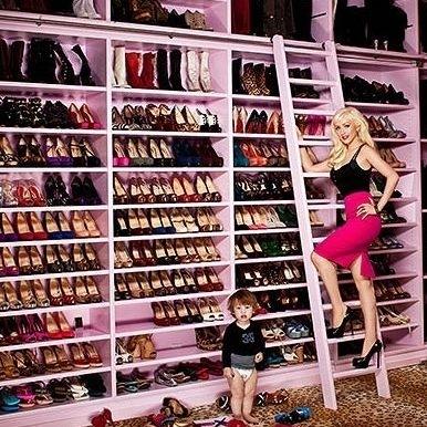 hilton)的鞋子全部按照品牌归类
