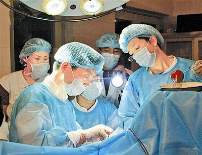 成功实施阿里地区首例开颅手术