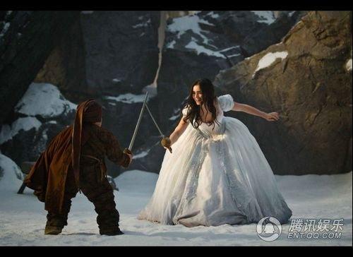 罗伯茨加盟新片《白雪公主》于2012年3月上映