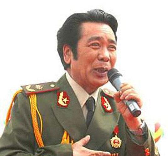 克里木少将:总政歌舞团维吾尔族表演艺术家,享受正军级待遇.-细
