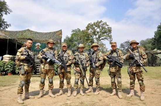 国之利刃小�_军旅剧《国之利刃》热拍 演员进特种部队受训8个月(1)