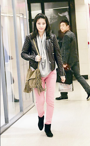 陈慧琳怀孕发福 谈次子:他很活泼,经常踢我(图)图片
